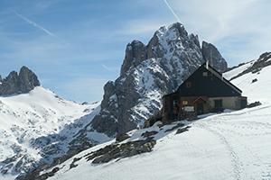 Dahua IP Camera Helps Monitor Weather for Mountain Refugio Collado Jermoso
